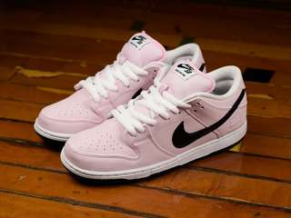 want to buy nike sb dunk pink