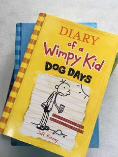 Diary of a Wimpy Kid : Dog Days (book 4)