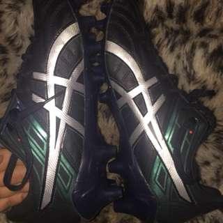 Asics Tigreor 10 Football boots 🏉