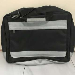 Van Garie laptop bag