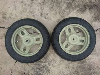 Honda Dio tires and rims