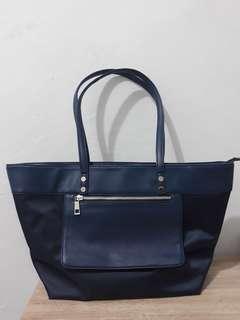 Connextion navy bag