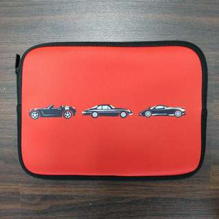 🚚 iPad sleeve - motor cars with red background (front and back)