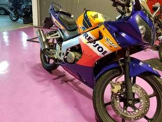 Honda cbr150r for rent. ( promo)