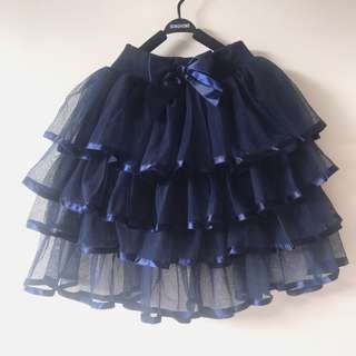 *worn ONCE* Girls tiered skirt size 6