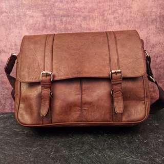 Messenger Bag Coklat kulit asli