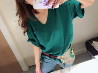 🚚 070313(F) 本店爆款寬鬆V領T恤,綠色 白色