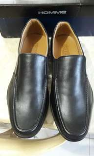 GIBI black shoes for men.