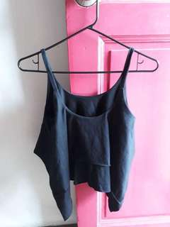 black cropped trop