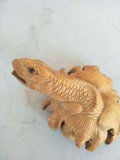 Fortune fish wood carving