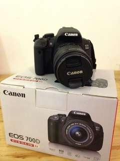 Canon 700 D + Lensa Kit