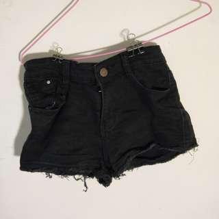 🚚 『二手』黑色牛仔短褲