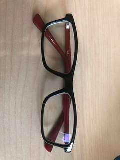 Kid's eyeglasses