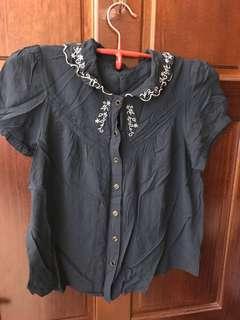 🚚 日牌dazzlin 深藍民族風短袖襯衫