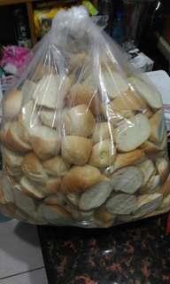 🚚 法國麵包 邊法國麵包邊邊 一片1元 自取地點中和中山路三段29號