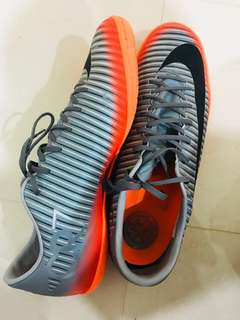 NIKE MERCURIAL VICTORY VI CR7 IC SENIOR FOOTBALL BOOT- Size 12US