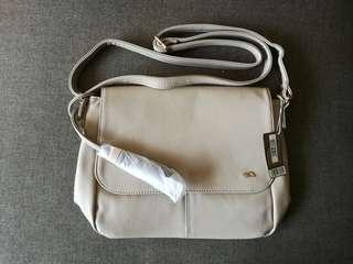 🆕 Caprisa Sling Bag