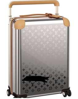 LV FW2018 Titanium Horizon 55 luggage