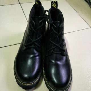 🚚 馬丁靴