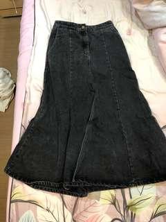🚚 黑色牛仔後鬆緊魚尾裙