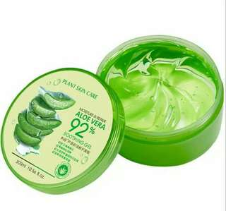 Aloe Vera Sooting Gel and Moisture 92%