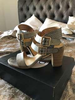Novo blue grey heels size 7