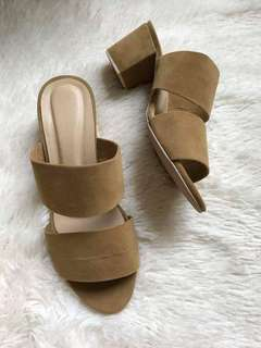 Two strap liliw block heels