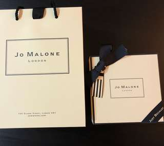 🚚 Jo Malone Gift Set - Scented candle + Body & Hand wash Gel Moussant