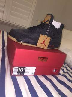 AUTHENTIC levis 4s black