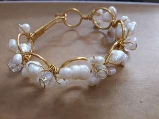 Cofer wire bangles w/pearls