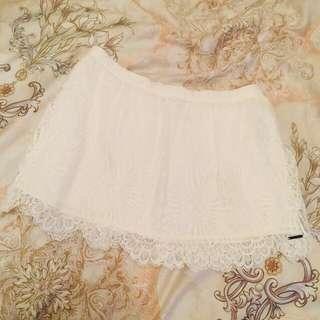 🚚 專櫃美國品牌 A&F 正貨 Abercrombie & Fitch   牛奶白色系 滿載全蕾絲緹花織紋網織紗 彈性伸縮腰圍 小清新 氣質洋溢短裙