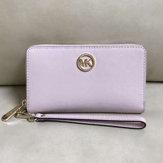 Bnew & Authentic MICHAEL KORS Fulton Large Flat Multifunction Saffiano Leather Phone Case / Wallet / Wristlet (Blossom / Pale Pink)