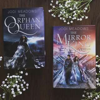 INSTOCK THE ORPHAN QUEEN DUOLOGY