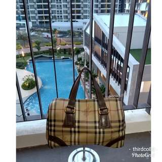 Authentic Burberry speedy handbag