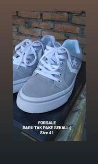 CONS ONESTAR • GREY • KANVAS • SIZE 41