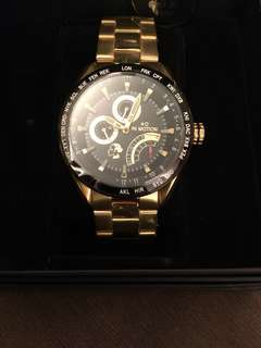 劉嘉玲自家品牌手錶一隻