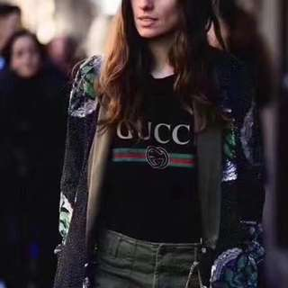 Gucci tee in blk or white