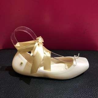 🚚 Melissa 香香鞋 巴西尺寸37(Mel 現代名伶 2way 芭蕾舞鞋-珍珠色)