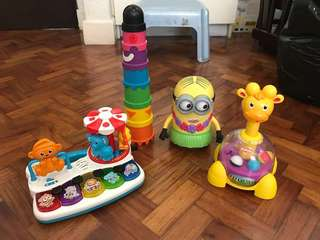Assorted Toys Package Minion, Toy Piano, Stacking Cups