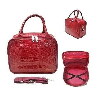 Travel bag bahan kulit selempang merah marun ukuran 30*28*10 cm bisa selempang
