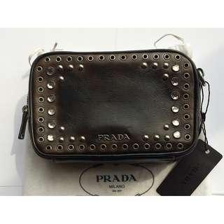 Prada  鑲嵌水鑽 斜孭袋 cross body bag * 意大利製造 Made in Italy *
