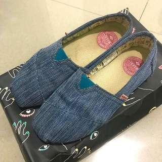 [Authentic] Wakai Shoes Size 37 fits to 38/ Sepatu Wakai Original Warna Biru Ukuran 37 muat hingga 38