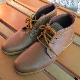 Sepatu Boots Dr. Kevin