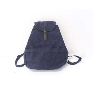 Bag ::: 百看不膩藍扣袋帆布休閒後背包