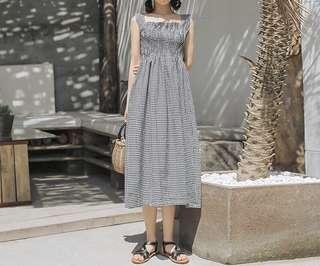 。格子洋裝。兩色