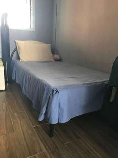🚚 Single bed mattress and bed frame