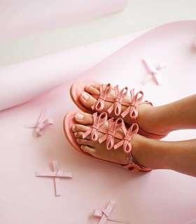Ittaherl sandals