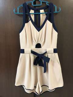 Finders Keepers playsuit size S