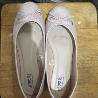 The little things she needs flat shoes