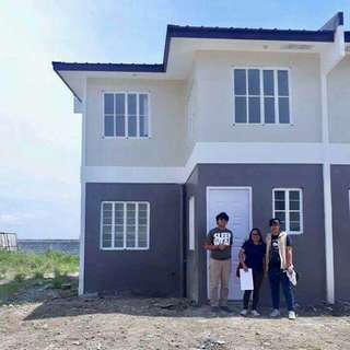 Murang house and lot